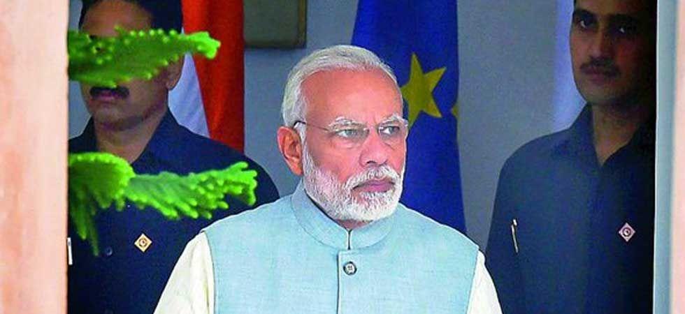 Rahul Gandhi reveals name of PM Modi's 'blue-eyed-boy' who planned Vijay Mallya's escape (@NirikshanBilla)