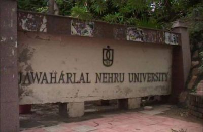 ABVP, Left members clash hours after JNUSU poll results, FIRs registered