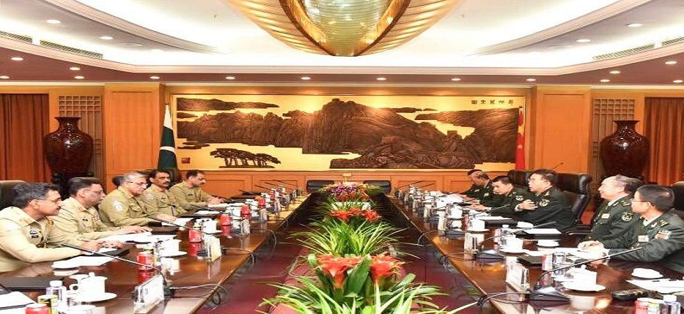 Pakistan Army chief Bajwa holds talks with Chinese counterpart on defence ties, CPEC (Photo- Twitter/@Gen_QamarBajwa)