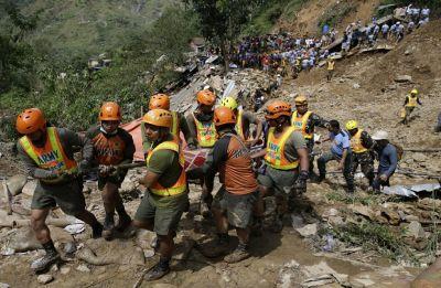 Philippines: Landslide kills 18, buries houses in Cebu