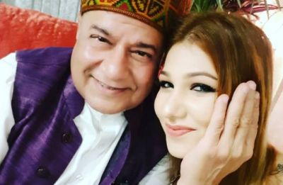 Anup Jalota gobble up more limelight for a yet stranger reason! Find out more here