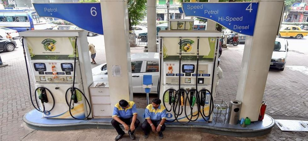 Fuel prices continue to hit record high, petrol price nears Rs 90-mark (File Photo)