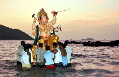 Ganesh Visarjan: Stunning photos of bidding adieu to Ganpati Bappa