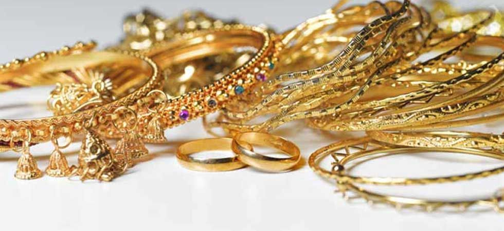 Gold glitters on positive global cues, jewellers' buying (Representational Image)