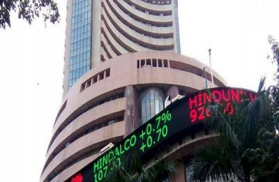 Sensex crashes 550 points on rupee woes, Nifty below 10,900