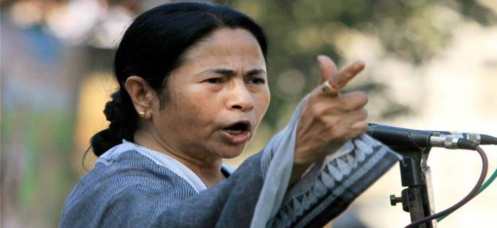 Mamata attacks BJP for directing states to cut fuel prices (File Photo)