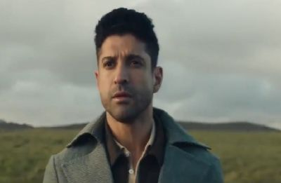 Farhan Akhtar's first Hindi single 'Jaane Ye Kyun Kiya' out!