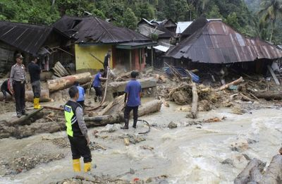 27 dead in floods, landslides on Indonesia's Sumatra island