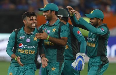 Babar Azam, Imad Wasim star as Pakistan crush Australia in first T20I