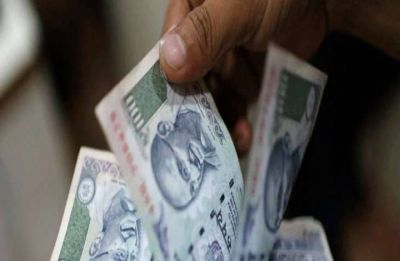 Rupee falls 16 paise to 73.61 against US dollar in early trade