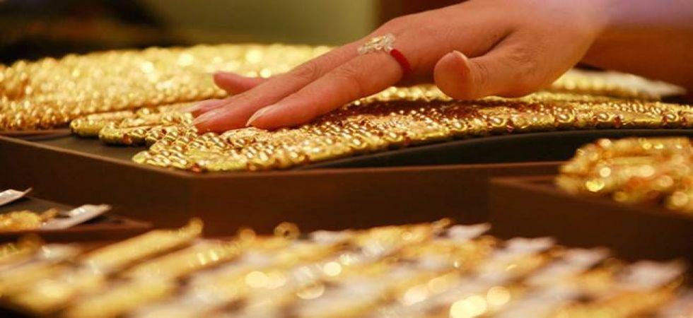Gold at nearly 6-yr high of Rs 32,650 on festive demand (PTI photo)