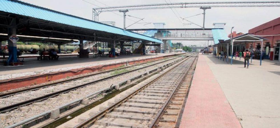 Uttar Pradesh: Three gangmen run over by Kolkata-Amritsar Akal Takth Express (Representational image: PTI)