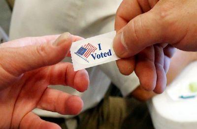 Voting begins in crucial midterm polls in US