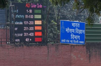 Delhi Air Pollution: Ban on entry of trucks, construction works extended in national capital region