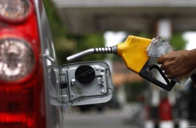 Fuel prices continue to fall, petrol at 77.43, diesel at 72.19 in Delhi
