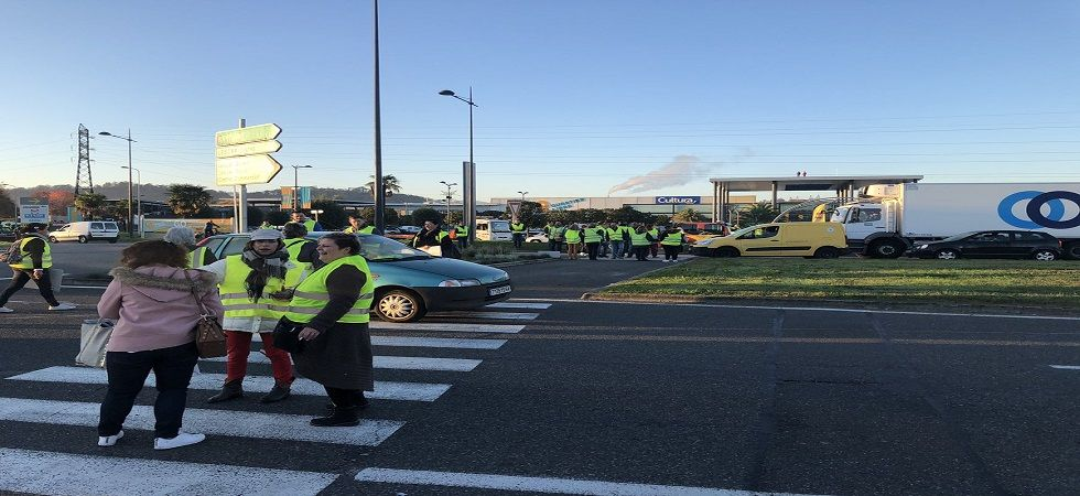 One dead, over 400 injured in French anti-fuel tax blockade (Photo- Twitter)