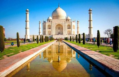 Rashtriya Bajrang Dal women allegedly hold 'aarti' inside Taj Mahal