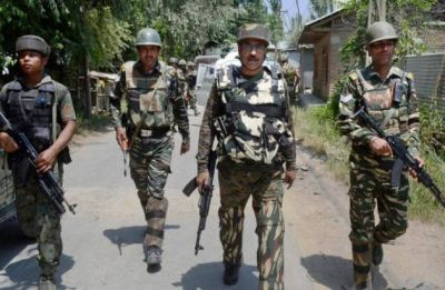 Jammu and Kashmir: Militants attack CRPF camp in Pulwama, head constable killed