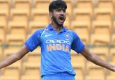 Australia vs India: 1st T20 live score and updates - Khaleel Ahmed strikes first ball