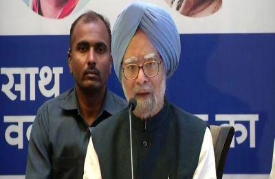 'Daal Mein Kuchh Kaala Hai': Manmohan Singh smells a rat in Rafale deal