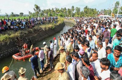 30 killed as bus falls into canal in Karnataka's Mandya, Kumaraswamy announces ex-gratia for keen of deceased