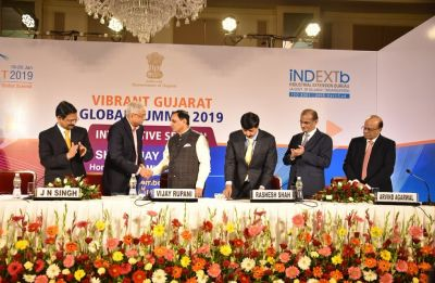 Gujarat signs MoUs with IAAI, CMAI to promote textile industry