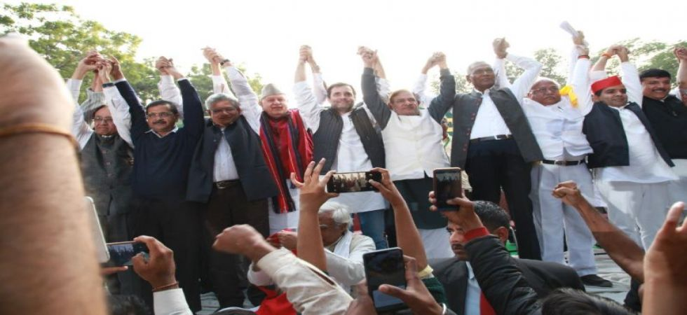 Congress president Rahul Gandhi, Delhi Chief Minister Arvind Kejriwal, former Jammu and Kashmir chief minister Farooq Abdullah join Farmers March in Delhi (Photo tweeted by Youth Congress - @IYC)