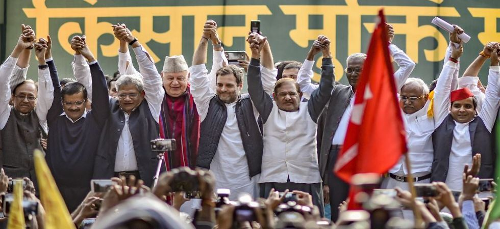 Farmers Protest: In a first, Rahul Gandhi, Arvind Kejriwal share stage (Photo Source: PTI)