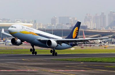 Amid cash paucity, Jet Airways removes free meals from two more economy class fares
