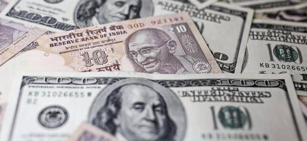 Rupee falls 54 paise, touches 71 level against US dollar (Twitter)