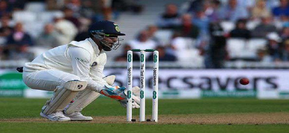 Rishabh Pant equalled MS Dhoni's mark of six catches in a Test innings during the Adelaide game against Australia. (Image source: Twitter)