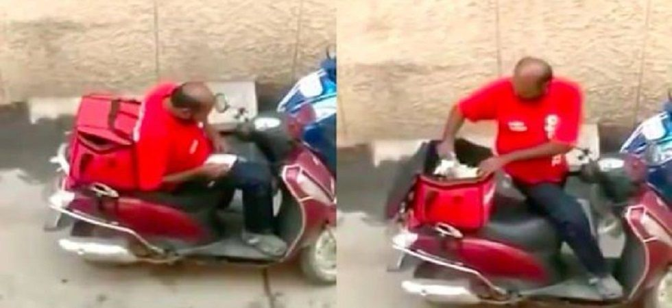 Video captures Zomato delivery man eating food of customer (Photo: Twitter)
