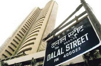 Sensex logs 5th straight gains, soars 307 points