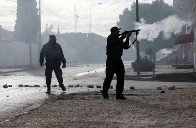 Tunisia clashes spread over tough living conditions