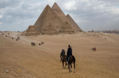 Powerful blast hits tour bus near Egypt's Giza pyramids, 3 Vietnamese tourists, guide killed