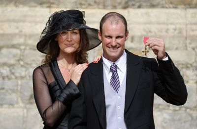 Andrew Strauss, former England opener's wife Ruth dies of lung cancer