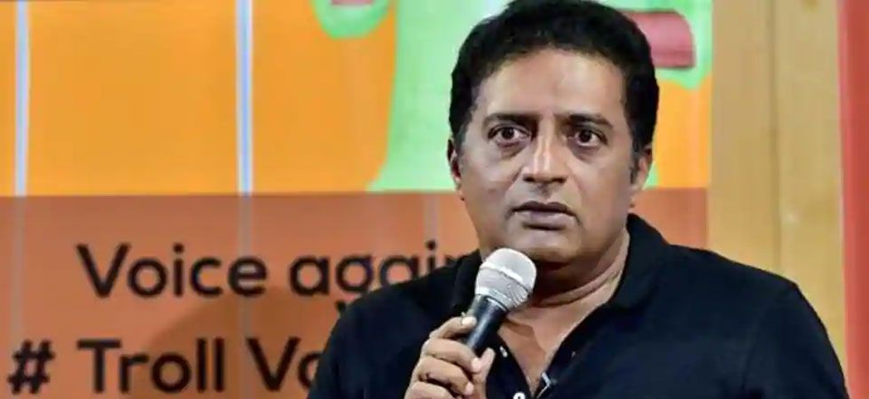 The Aam Aadmi Party has offered open support to Prakash Raj