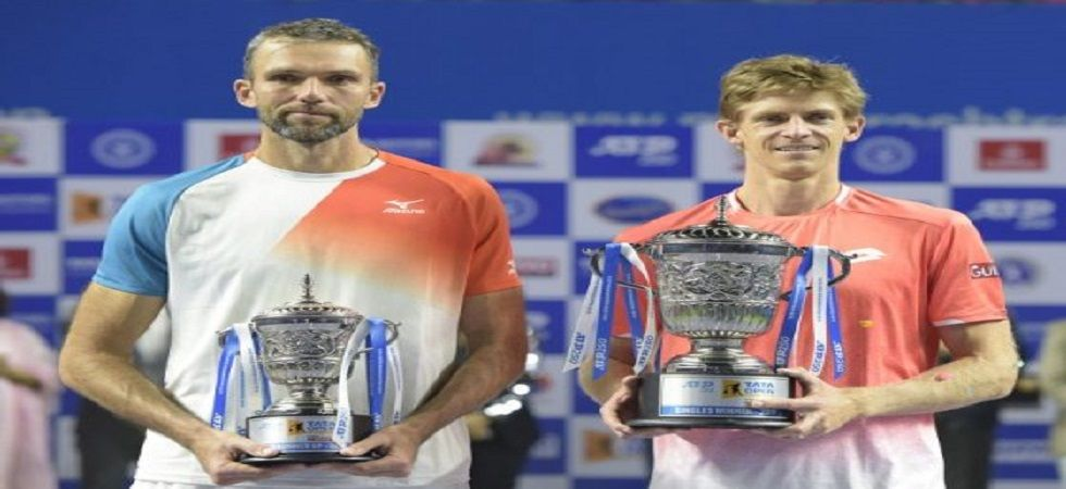 Kevin Anderson won his sixth title in the Tata Open tournament played in Pune, defeating Ivo Karlovic. (Photo credit: Twitter)