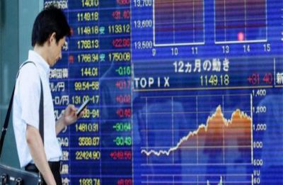 Asian markets retreat after rally, strong yen hits Tokyo