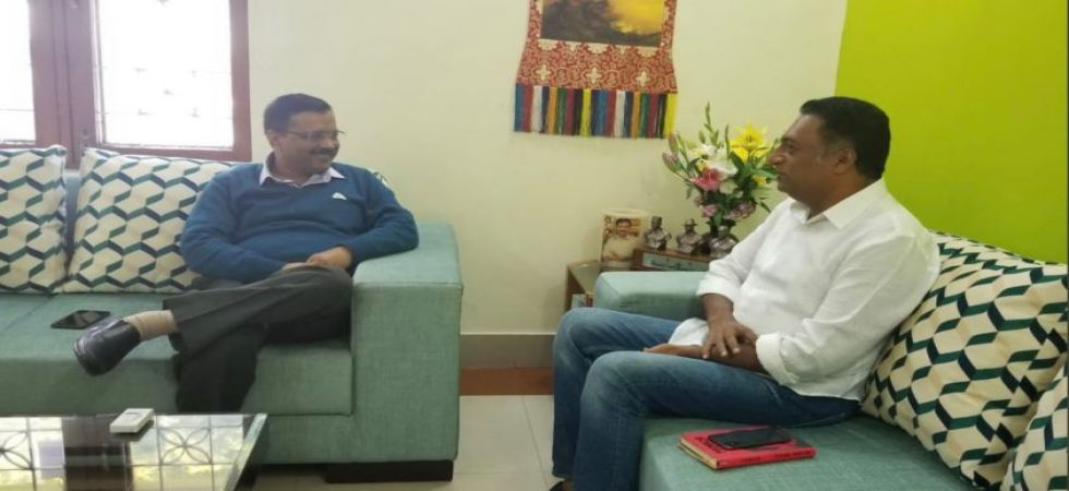 Arvind Kejriwal welcomes Bollywood actor Prakash Raj in politics (Photo tweeted by Prakash Raj @prakashraaj)