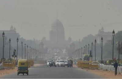 Delhi continues to battle severe pollution, air quality deteriorates to 'severe' category