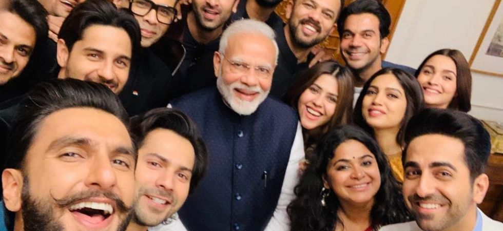 PM Modi's selfie with Bollywood celebrities./ Image: Twitter