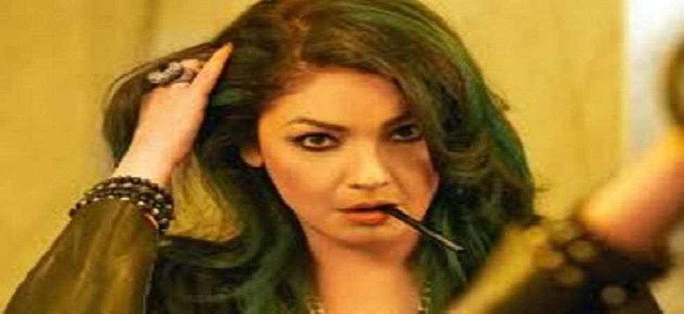Men don't age in India, says Pooja Bhatt (Twitter)