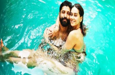 Farhan Akhtar and Shibani Dandekar's PDA is unmissable in this Instagram picture!