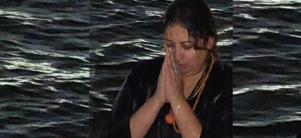 Union Minister Smiriti Irani takes holy dip in Ganga