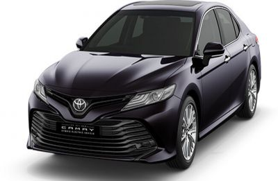 Toyota Camry Hybrid 2019 launched in India and she looks stunning