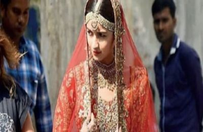 Alia Bhatt looks stunning as a bride in leaked photo from sets of Kalank