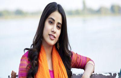 Jahnvi Kapoor got her leg pulled as paparazzi calls her Sara Ali Khan, Watch her hilarious reaction