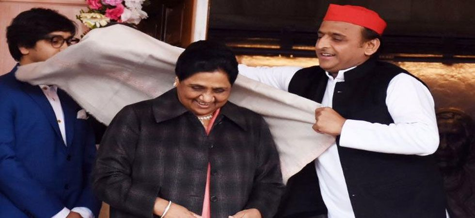 Mahendra Nath Pandey was talking about this pic posted on Samajwadi Party's twitter handle. (Image Credit: Twitter)