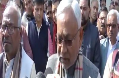 'Will never forget': Bihar Chief Minister Nitish Kumar breaks down as he pays tribute to George Fernandes